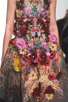 PRINTS, PATTERNS, TRIMMINGS AND SURFACE EFFECTS FROM PARIS FASHION WEEK (A/W 14/15 WOMENSWEAR) / 5 From Paris womenswear catwalks, beautiful details and inspirations. Leonard I would combine it with a carmin red beret, gemstones bracelets  and dock martins