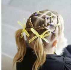 Trendy hairstyles in kindergarten and school, holiday hairstyles for girls - The Lazy Panda Girls Hairdos, Childrens Hairstyles, Cute Hairstyles For Kids, Cute Girls Hairstyles, Princess Hairstyles, Holiday Hairstyles, Braided Hairstyles, Kids Hairstyle, Teenage Hairstyles