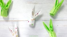 Love Decorations:  Servietten Häschen // Napkin folded as a Bunny