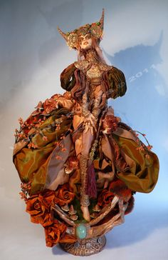 Amazingly detailed fantastical multimedia figure sculpture.    Autumnalis Venenata by Virginie Ropars  http://vropars.free.fr