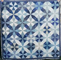 alfineteoficinaderetalhos: Q-Blue & White Kaleidoscope by Linda Rotz Miller Quilts & Quilt Tops on Flickr.