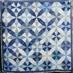 alfineteoficinaderetalhos:  Q-Blue & White Kaleidoscope by Linda Rotz Miller Quilts & Quilt Tops on Flickr.