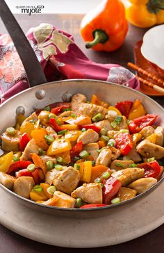 Poulet à l'orange comme au restaurant - Un plat à la chinoise au goût authentique.