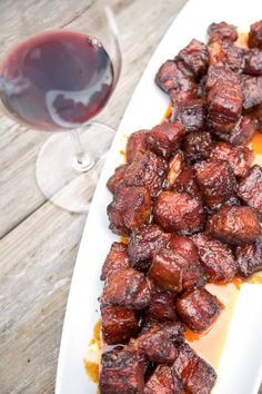 Pork Belly Burnt Ends are so easy to make and the most flavorful and tender smoked meat you could ever want! This is a pork version of burnt ends. Recipe Video how to and recipe! Smoked Meat Recipes, Grilling Recipes, Beef Recipes, Sausage Recipes, Smoked Beef Brisket, Smoked Pork, Pork Belly Burnt Ends, Steak Dinner Sides, Prime Rib
