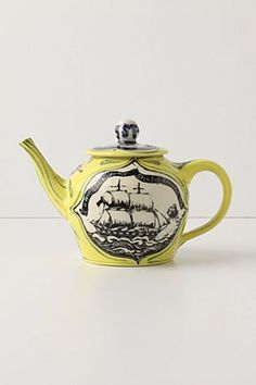 Another gorgeous tea pot - @Tenille Shafer Adamcik Shafer Adamcik Evans you will like this one!