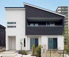 【外観詳細】わが家の壁サイト-外観・内壁コーディネートサイト(ニチハの住宅施工例集)- Modern Contemporary Homes, Pretty Room, Japanese House, Tiny House Design, Gaudi, Next At Home, Building Design, Architecture Design, House Plans