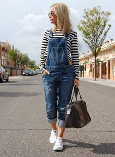 Really loving this outfit. But ditch the stripes I would wear a white tank top underneath! Really wish I had overalls. Look Fashion, Autumn Fashion, Fashion Outfits, Womens Fashion, Travel Outfits, Modest Fashion, Outfits With Converse, Casual Outfits, White Converse