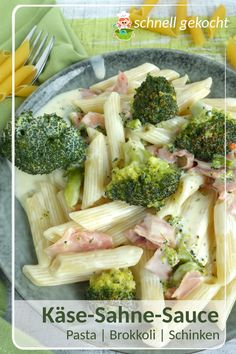 Nudeln in Käse-Sahne-Soße mit Brokkoli und Schinken – Meine Stube Recipe for pasta with cheese cream sauce and broccoli. Also tastes good for the kids. Sauce Crémeuse, Cheese Sauce, Pasta Recipes, Dinner Recipes, Ham Salad, Grilled Tomatoes, Creamy Cheese, Cooking On The Grill, How To Cook Chicken