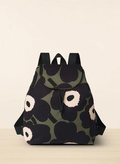 Erika unikko - Marimekko fabric bags with pattern Dress Up Wardrobe, Marimekko Fabric, Fashion Bags, Womens Fashion, Fabric Bags, Casual Chic, What To Wear, Cool Outfits, Autumn Fashion