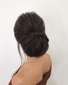 These Gorgeous Updo Hairstyle That You& Love To Try! Whether a classic chignon, textured updo or a chic wedding updo with a beautiful details. These wedding updos are perfect for any bride looking for a unique wedding hairstyles. Elegant Wedding Hair, Elegant Updo, Wedding Hair And Makeup, Wedding Updo, Hair Makeup, Chic Wedding, Sleek Updo, Bridal Makeup, Unique Wedding Hairstyles
