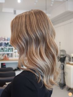 Cute Hair Colors, Blonde Hair Looks, Dying My Hair, Medium Long Hair, Hair Growth Tips, Hair Creations, Hair Color And Cut, Light Hair, Hair Highlights