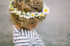 how to make the easiest floral crown for kids | hellobee