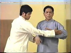 Rare footage of grand master Feng Zhiqiang demonstrating the applications of Taiji's Ba Fa (eight methods) and Taiji tuishou on Chinese TV in 1989 with his s...