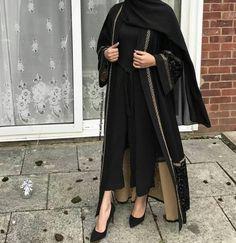 Marya Velvet Abaya - Made To Order – Aaliya Collections Abaya Fashion, Muslim Fashion, Modest Fashion, Fashion Dresses, Modest Wear, Modest Outfits, Black Abaya, Mode Abaya, Iranian Women Fashion