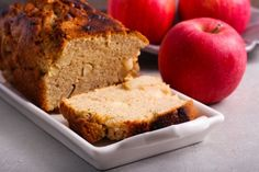 Delicious Apple Bread straight from Apple Hill This recipe can also be baked as muffins and can be frozen. salt ½ cup oil 2 eggs 1 cup sugar 1 ½ cups all-purpose flour ½ tsp. Apple Bread, Banana Bread, Nutritious Snacks, Cake Flour, Cake Batter, Sin Gluten, Pound Cake, Mexican Food Recipes, Baking Soda
