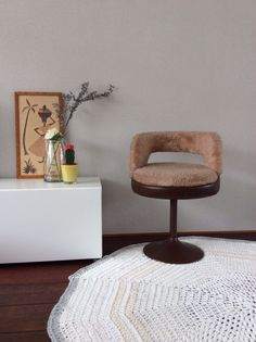 Retro stoel en leuk vintage hout kunstwerk http://www.marktplaats.nl/verkopers/21083532.html