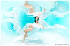Underwater Pregnancy Photo. Maternity Portrait Photographer. Create, Surreal and…