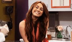 """Pwetty please"" - Miley Cyrus as Miley Stewart in Hannah Montana on Disney Channel. Hannah Montana Forever, Old Disney Channel, Disney Channel Stars, Miley Stewart, Disney Shows, Wattpad, Fandoms, Icarly, Twitter"