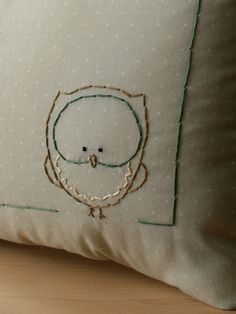 Personalized baby birth Pillow for Woodland di OtterburnPQ Embroidery Applique, Cross Stitch Embroidery, Embroidery Patterns, Sewing Crafts, Sewing Projects, Owl Crafts, Cross Stitching, Needlework, Creations