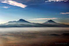 Mexican volcanoes, Popocatepetl and Iztaccihuatl