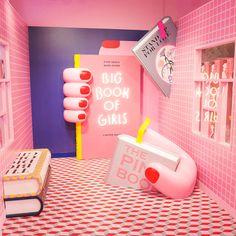 Moreru Mignon, a purikura shop in Tokyo Disney. Moreru Mignon, a purikura shop in Tokyo Disney. Exhibition Stand Design, Display Design, Booth Design, Cafe Design, Store Design, Interior Design, Merci Paris, Tout Rose, Deco Restaurant