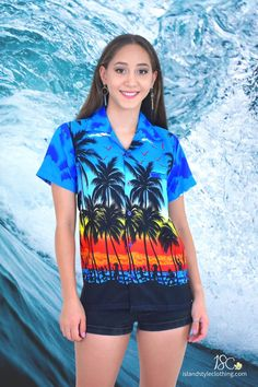 Pretty in Blue - Ladies Hawaiian Shirt Blouse 'Blue Palms'. Aloha shirt Casual or Fancy Dress. Wear this to a sports event or music festival.  #hawaiianshirt #ladieshawaiianshirt #ladiesshirt #purpleshirt #purpleparty #festivalfashion #cruisewear #luauparty