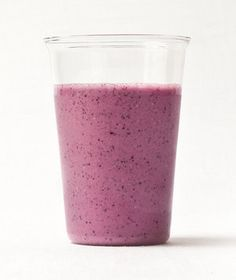 Gingery berry and oat smoothie | RealSimple.com