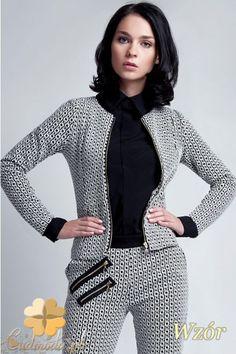 Dopasowany, krótki żakiet - marynarka damska marki Lanti.  #cudmoda #ubrania #marynarki #odzież #clothes #moda