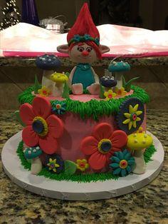 Resultado de imagen para troll poppy queque Elsa Birthday Party, Trolls Birthday Party, Troll Party, Baby Girl Birthday, 4th Birthday, Birthday Ideas, Birthday Cake, Bolo Trolls, Trolls Cakes