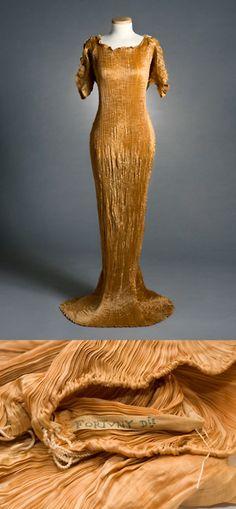 Pleated silk Delphos dress, early 20th century. Mariano Fortuny. Charleston Museum.