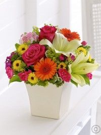 Send flower gifts in all counties including, Dublin, Cork and Galway with Flowers. We have wonderful collection of flowers available for same day and ne Mothers Day Flower Delivery, Best Flower Delivery, Online Flower Delivery, Flower Delivery Service, Summer Flowers, Love Flowers, Beautiful Flowers, Valentines Flowers, Mothers Day Flowers
