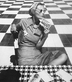Check check check, please! Ph. Louise Dahl-Wolfe, Mary Sykes in Puerto Rico, 1938. #photography