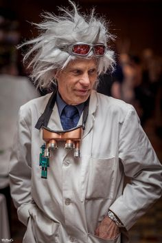 Back to the Future: Doc Emmett Brown | Galaxy Fest 2014 #cosplay // this is totally Ryan next year....