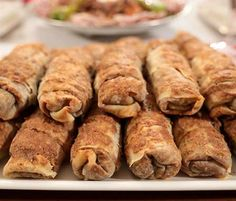 Yeşil Mercimekli Börek Tarifi Sausage, Almond, Recipies, Food And Drink, Meat, Chicken, Cookies, Ethnic Recipes, Desserts
