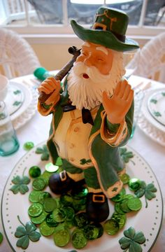 Leprechaun Centerpiece for #St. Patrick's Day Table Setting
