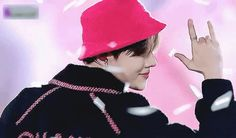 Animated gif about gif in bts armyyy by sousoufangirl gif, bts y jhope GIF en We Heart It Jhope Gif, Jimin, Jung Hoseok, J Hope Smile, Jhope Cute, K Pop, J Hope Dance, Smile Gif, Mnet Asian Music Awards