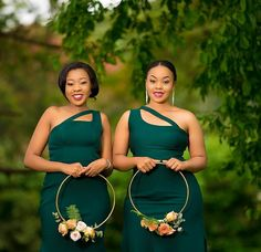 If you're looking for the trendiest, beautiful and latest AFRICAN WEDDING DRESSES then you're in for a trending African wedding styles African Bridesmaid Dresses, Printed Bridesmaid Dresses, Mermaid Bridesmaid Dresses, Wedding Bridesmaids, Royal Blue Bridesmaids, African Wedding Theme, African Wedding Attire, Latest African Fashion Dresses, Traditional Wedding Dresses