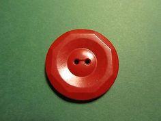 1-1-3-8-DECORATIVE-COLT-RED-PLASTIC-2-HOLE-BUTTON-VINTAGE