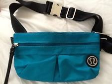 Lululemon Fanny Pack body bag. If I HAVE to wear a fanny pack at Disneyland, it's gonna be this one.