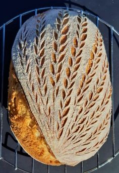 Sourdough Recipes, Sourdough Bread, Bread Recipes, Bread Art, Pan Bread, Artisan Boulanger, Banana Oatmeal Smoothie, Bread Shop, Bread Shaping