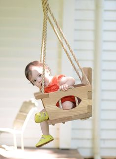 Handmade Wood Toddler Swing by VintageSwings on Etsy Wood Projects For Beginners, Diy Wood Projects, Wood Crafts, Woodworking Projects, Wood Swing, Baby Swings, Kids Wood, Wood Toys, Diy Toys