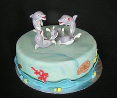 Dolphins - Cake by luna