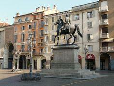 La bellissima P.zza Mazzini a Casale Monferrato