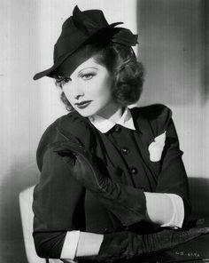 Chapeaux à la Mode: Millinery Retailing Ideas, 1940