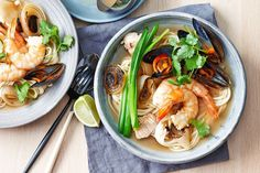 Rich in both flavour and essential fatty acids, fish is one of our favourite ingredients to cook with. But forget about the traditional fish and chip combo, there& a bevy of delicious (and easy) ways to indulge in a piece of fish for your midweek meal. Easy Fish Recipes, Soup Recipes, Seafood Recipes, Healthy Recipes, Midweek Meals, Weeknight Dinners, Sour Soup, Italian Soup, Winter Soups