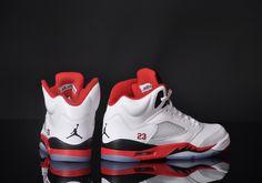 Static Shock, Jordan V, Shoe Game, Old School, Me Too Shoes, Air Jordans, Nike Air, Kicks, Sneakers Nike