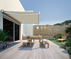 Store banne manuel Nori, coffre intégral 4 x 3 m, Beige Home Room Design, Outdoor Decor, House With Porch, Outdoor Space, Outdoor Living, House Exterior, Open Plan Kitchen Living Room, New Homes, Outdoor Blinds