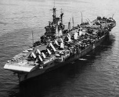 HMS Victorious (R38) - Portaerei classe Illustrious - Entrata in sevizio il 13 marzo 1941 - Caratteristiche generali Dislocamentoa pieno carico: 29.110 Lunghezza233,46 m Larghezza31,08 m Propulsione6 caldaie Admiralty a 3 corpi cilindrici 3 turbine meccaniche Parsons 3 assi 110.000 CV Velocità30,5 nodi  (56 km/h) Equipaggioda 1.785 a 2.000 uomini - 72 Aerei - Radiata il 13 marzo 1968, demolita nel 1969