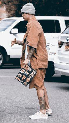 By Bieber Support Justin Bieber Outfits, Justin Bieber Style, Justin Bieber Photos, Justin Bieber Wallpaper, Hip Hop Fashion, Mens Fashion, Thai Tattoo, Big Daddy, Dylan O'brien