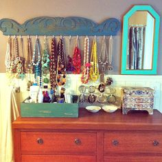 Momma Gets Real: DIY jewelry organizer http://www.silvertribe.com check out WEBSITE This isn't exactly an organizer but it is very organized and neat. I like it.